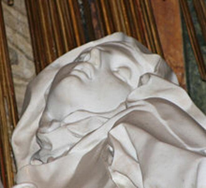 2. L'extase de Sainte Thérèse d'Avila, de Bernini, dans la Chapelle Cornaro, église de Santa Maria della Vittoria, Roma, 1647-52