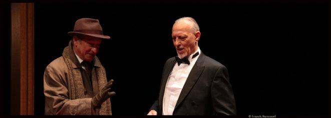 Au théâtre Michel, Didier Caron nous invite à un huis-clos glaçant sur fond de sonate et de Fausse note. © Franck Harscouet