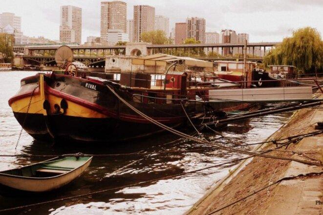 Paris Seine © pcompas