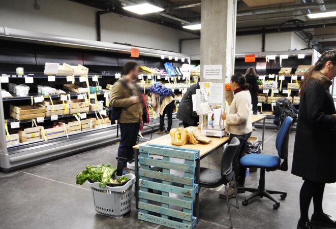 la Louve, les fruits et légumes viennent de la Coop Bio d'Île de France © fair