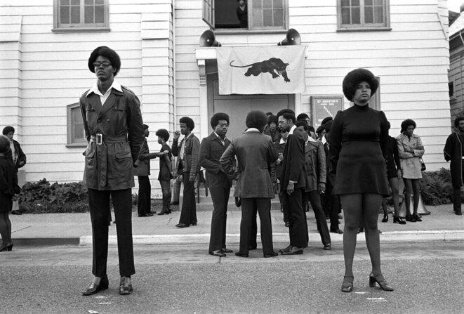 """Stephen Shames, """"Funérailles de George Jackson, 28 août 1971""""Photographie © Stephen Shames"""