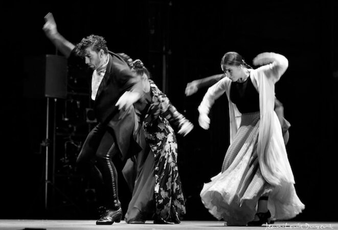 David Coria et ses danseuses © Jean-Louis Duzert