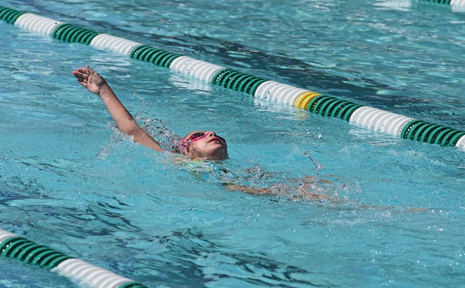 La natation aide à prévenir ce fléau