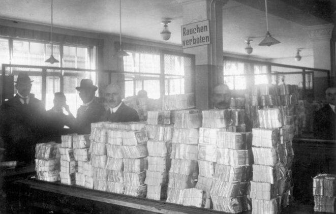 L'hyperinflation en Allemagne au début des années 1920. © Bundesarchiv