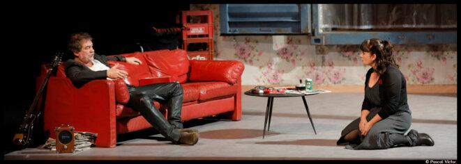 Au théâtre Déjazet, Aziz Chouaki et Jean-Louis Martinelli nous invite au coeur de la France identitaire dans un Nénesse dérangeant © Pascal Victor