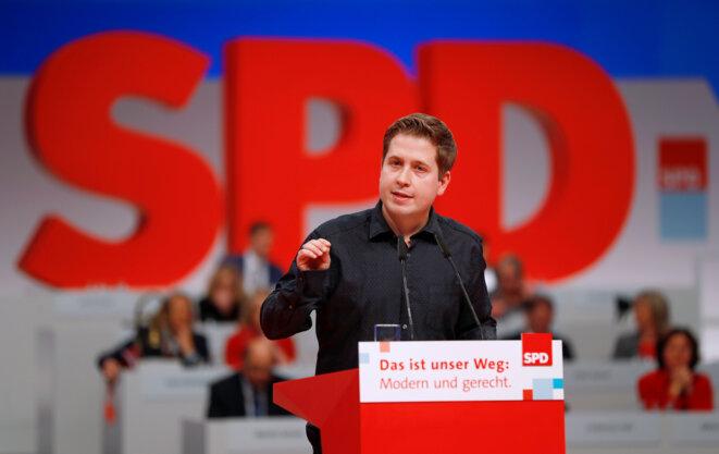 Kevin Kühnert, président des jeunes du SPD, lors d'une convention du parti à Berlin, le 7 décembre 2017 © Reuters / Fabrizio Bensch.