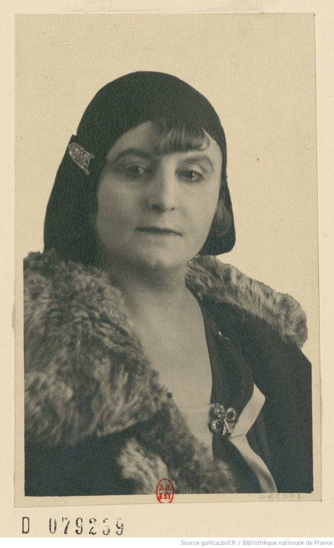 recueil-portraits-de-madame-aurel-btv1b8540682b