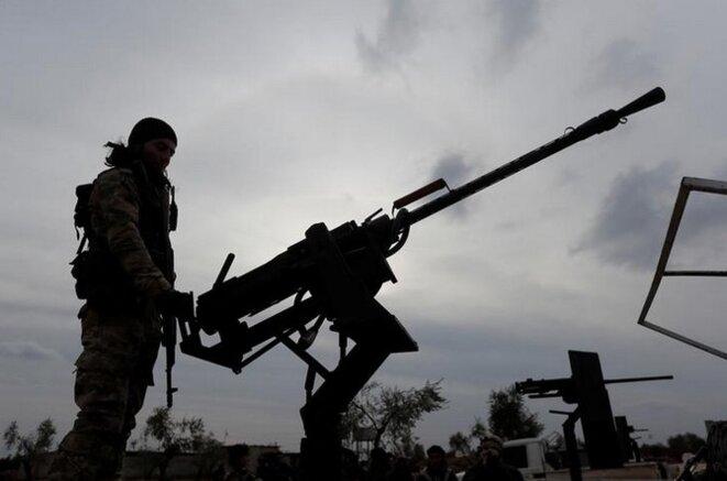 Un combattant de l'Armée syrienne libre (ASL), à l'entraînement à Azaz, le 21 janvier 2018. © Reuters