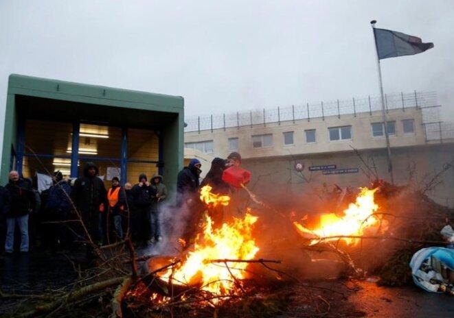 Blocage de la prison de Maubeuge, le 24 janvier. © Reuters