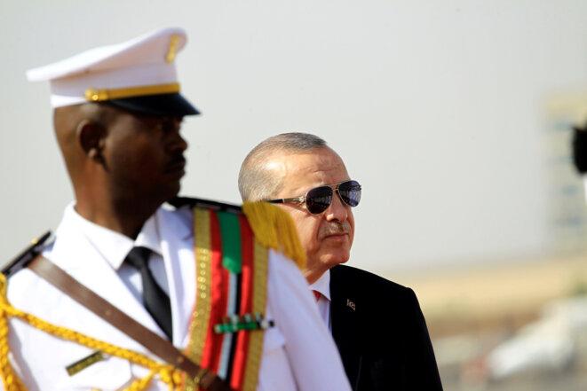 Recep Tayyip Erdogan arrive à Khartoum (Soudan), le 24 décembre 2017. © Reuters