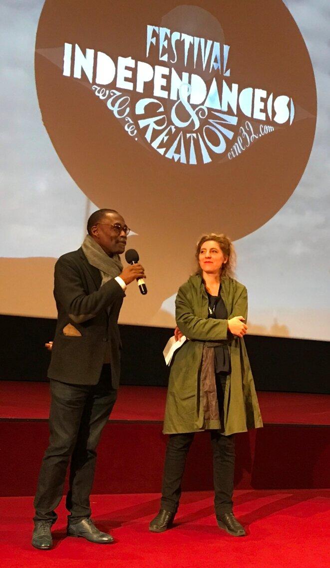 Mahamat-Saleh Haroun et Sylvie Buscail, déléguée générale de Ciné32, le 5 octobre 2017, lors de la toute première projection du film [Photo Yves Faucoup]