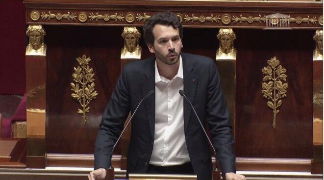 Le député de La France insoumise Bastien Lachaud à la tribune de l'Assemblée nationale lors de la niche parlementaire de son groupe, le 1er février 2018. © Capture d'écran site Assemblée nationale