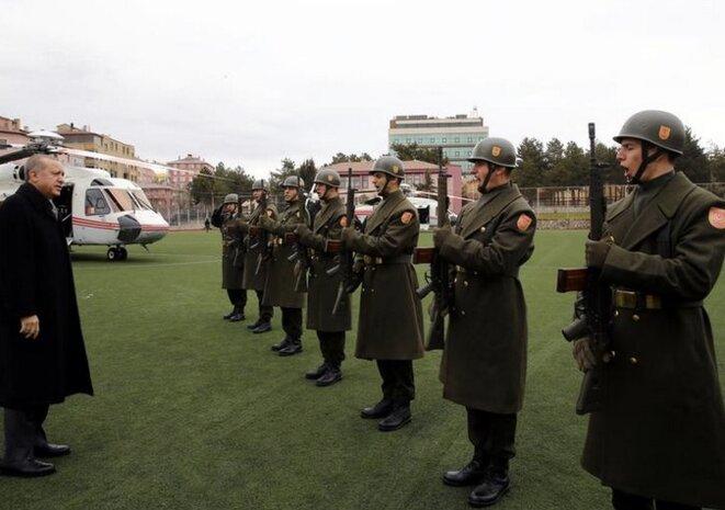 Erdogan effectue une revue des troupes à Corum, le 28 janvier. © Kayhan Ozer