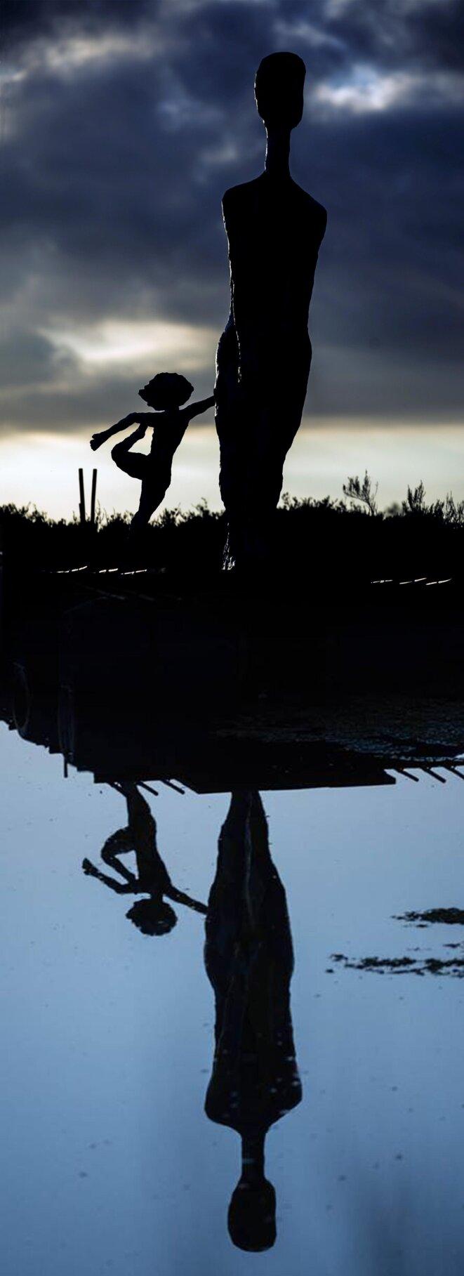 Balade Nocturne -sculpture (2,70m)-Land Art-montage photo-par Christian Pichard