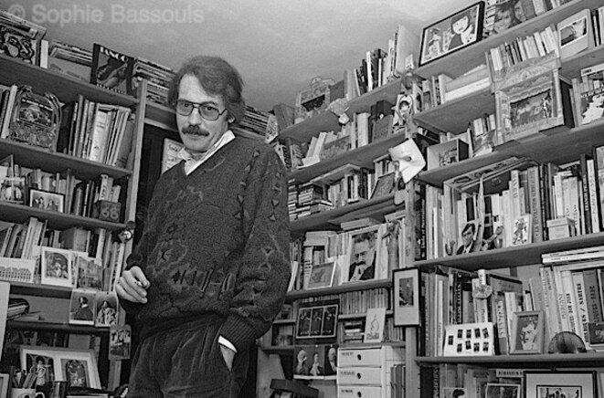 Jean-François Vilar chez lui en 1989 ©Sophie Bassouls
