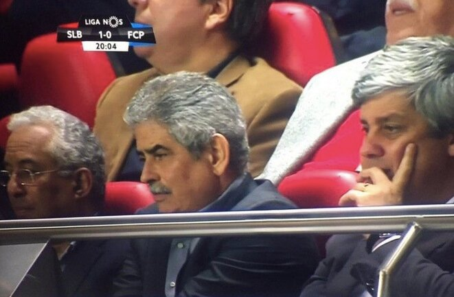 Antonio Costa, Luis Filipe Vieira y Mario Centeno en el Estadio da Luz. © Capture d'écran TV- Observador