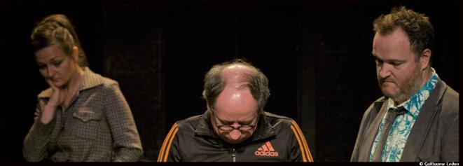 Au théâtre de Belleville, Pierre Bénézit nous invite à un désopilant voyage en Absurdie © Guillaume Ledun