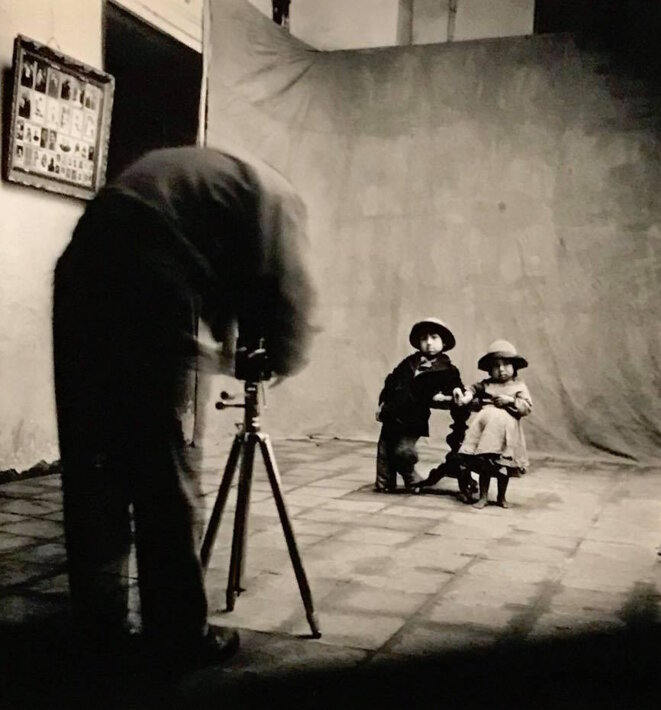 "Anonyme, ""Irving Penn at work in Cuzco"", 1948, Washington, National Gallery of art © NGA"