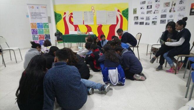 Un cours d'éducation sexuelle et au genre dans un collège de la banlieue sud de Tunis. © L. B.