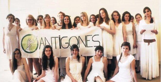 Les Antigones dans une de leurs vidéos.