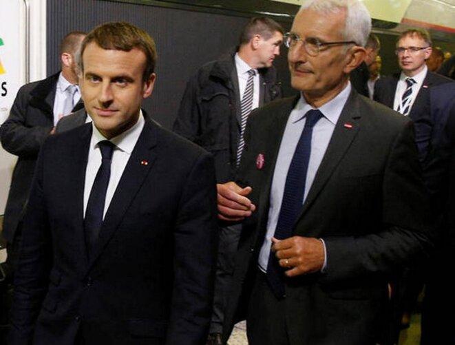 Emmanuel Macron et Guillaume Pepy lors de l'inauguration de la ligne TGV Le Mans-Rennes. © Reuters