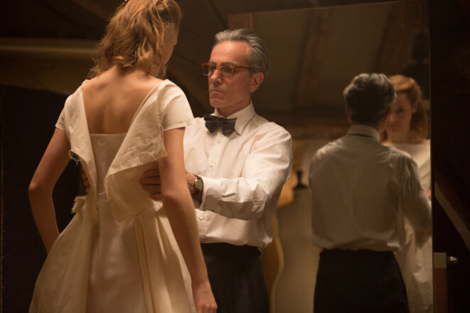 Vicky Krieps et Daniel Day-Lewis dans « Phantom Thread ».