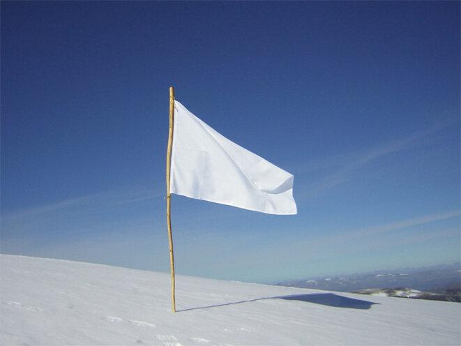 LFI : La France insoumise se lance - Page 4 1200px-white-flag