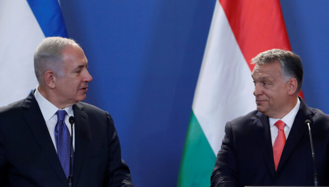 Benjamin Netanyahou en compagnie de Viktor Orban, à Budapest en 2017 © Reuters