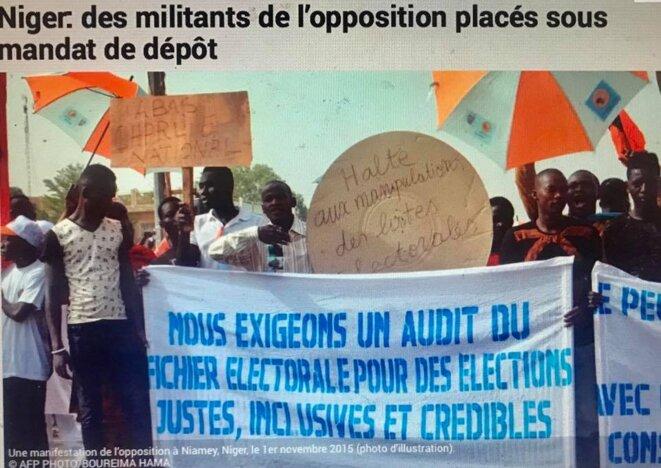 Une manifestation de l'opposition à Niamey, Niger, le 1er novembre 2015 (photo d'illustration). © AFP PHOTO/BOUREIMA HAMA © Une manifestation de l'opposition à Niamey, Niger, le 1er novembre 2015 (photo d'illustration). © AFP PHOTO/BOUREIMA HAMA