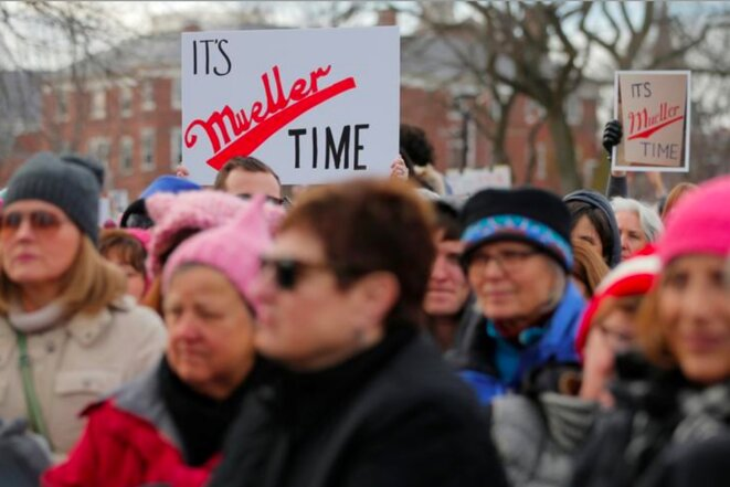 20 janvier 2018. Pancarte pro-Mueller dans un cortège de la Marche des femmes à Cambridge, Massachusetts © Reuters