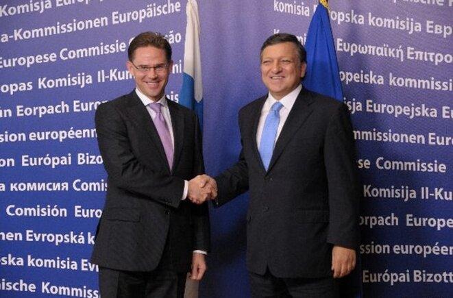 Jyrki Katainen, alors premier ministre finlandais, et José Manuel Barroso, alors président de la Commission, le 6 octobre 2011 à Bruxelles. © CE