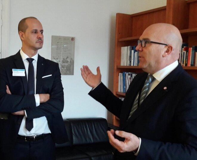 Hadj Djennas avec Bruno Bonnell en visite à l'Assemblée nationale fin décembre © Facebook Bruno Bonnell
