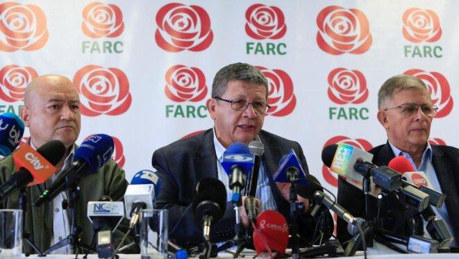 Pablo Catatumbo, membre du parti de la Farc, pendant une conférence de presse, vendredi 9 février à Bogotá. © Reuters