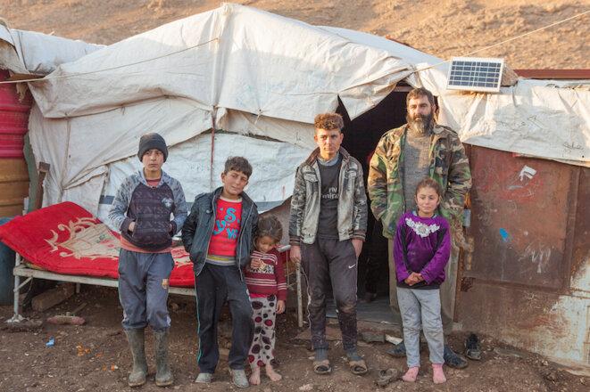 Hassan Khalaf vit avec sa famille à Sardeshti depuis l'été 2014. © Sébastian Castelier
