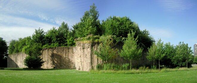 À Lille, l'île Derborence, petite forêt inaccessible dans le parc Matisse, a été conçue par Gilles Clément comme un espace où l'homme n'interfère pas. © Velvet, CC-BY-SA 3.0