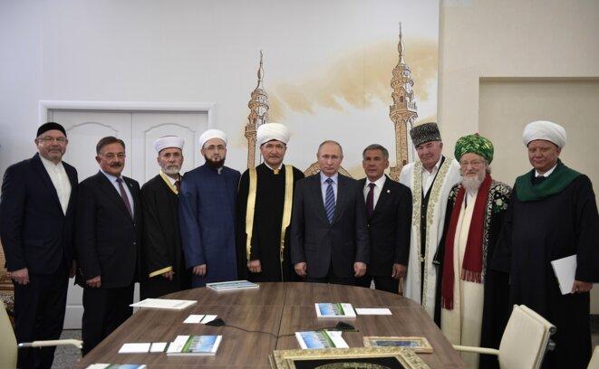 Vladimir Poutine rencontre les muftis de la région et les représentants de l'Académie islamique, le 25 janvier 2018 à Kazan.