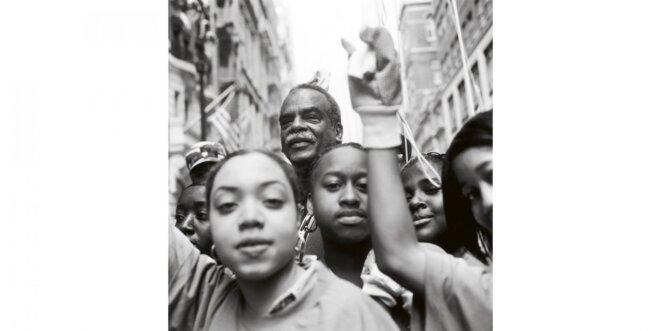 Édouard Glissant à New-York York en 1998. Crédit photo : Jean-Christian Bourcart / Gamma-Rapho