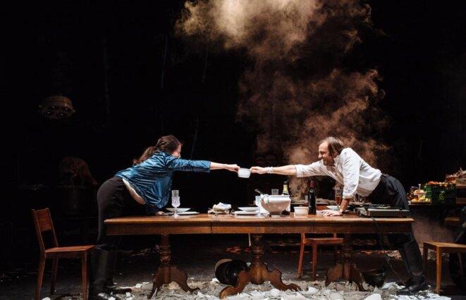 """Séverine Chavrier, """"Nous sommes repus mais pas repentis (Déjeuner chez Wittgenstein)"""", Théâtre de Gennevilliers © Samuel Rubio"""