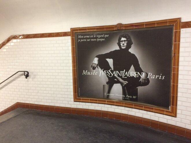 Publicité dans le métro