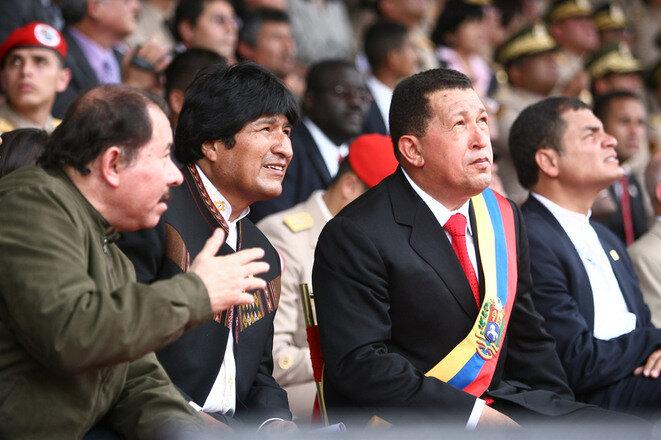 Ortega, Morales, Chávez y Correa en 2009, cuatro líderes sudamericanos que prolongaron sus mandatos constitucionales.