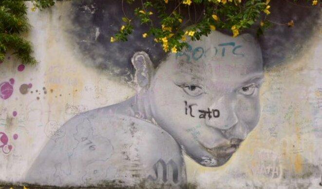 Peinture murale dans le village de M'Gombani Mamoudzou. © daniel gros