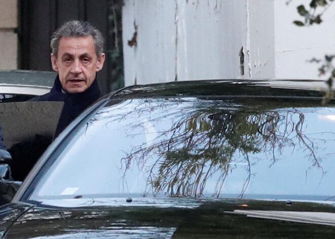 Nicolas Sarkozy, le 21 mars 2018, devant chez lui. © Benoit Tessier/Reuters