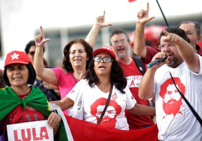 Des supporteurs de Lula manifestent à Brasília, jeudi 22 mars 2018. © Reuters