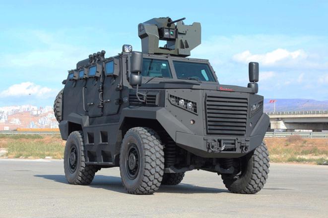 Le monstrueux véhicule militaire turc Hizir, dont 50 exemplaires ont été commandés par l'UE pour traquer les réfugiés à la frontière gréco-turque. © Katmerciler