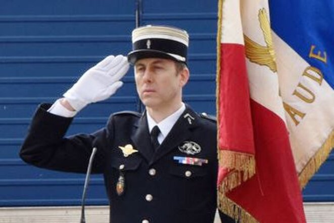 Le lieutenant colonel Arnaud BELTRAME, salut à l'étendard; in memoriam... © Gendarmerie Nationale
