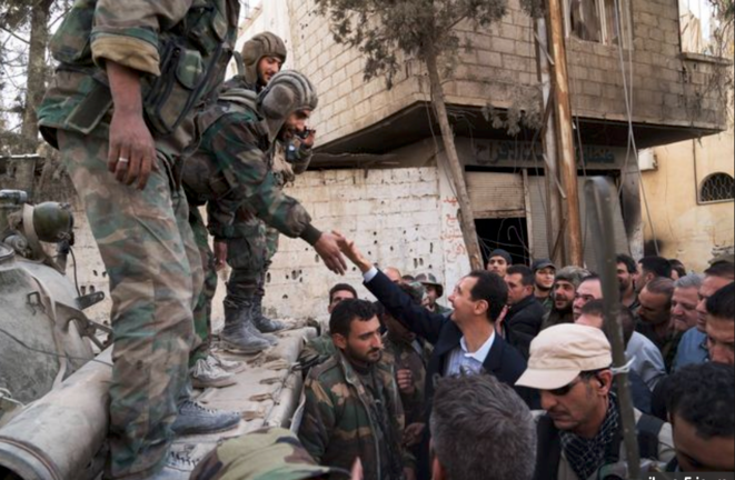 Bachar Al-Assad en visite dans la Goutha Orientale