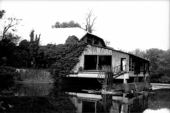 """Moulin-Scierie de Tison (Poitiers), printemps 2016 - pellicule Washi """"S"""" © Thomas Regdosz"""