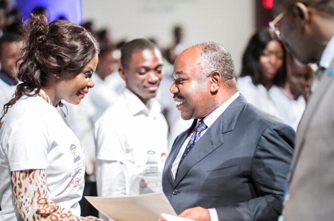 REMISE ATTESTATIONS TRAIN MY GENERATION GABON -Le Chef de l'Etat, Ali BONGO ONDIMBA et les lauréats-© DCP