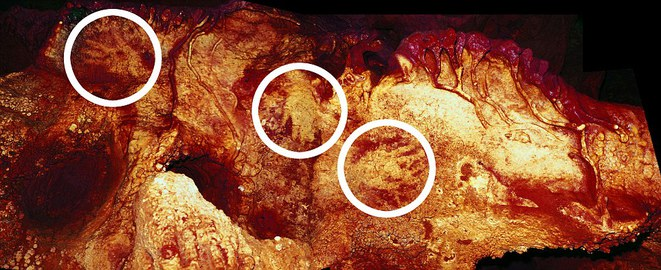 Les mains de la grotte de Maltravieso