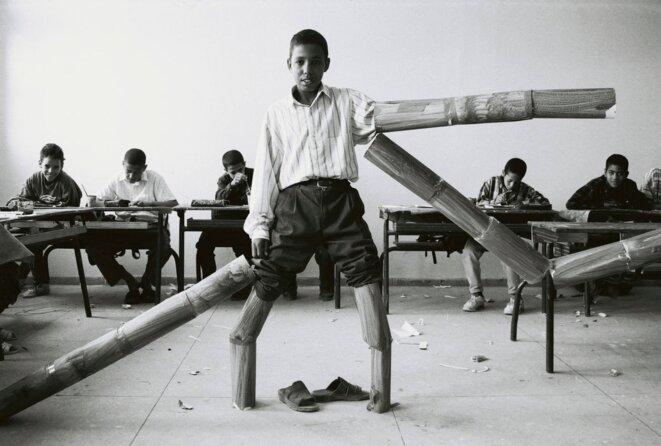 La salle de classe, 1993-2002 © Hicham Benohoud.
